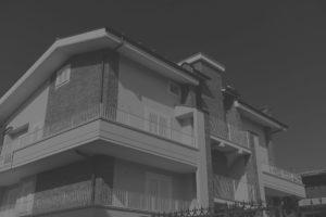 casa in bianco e nero